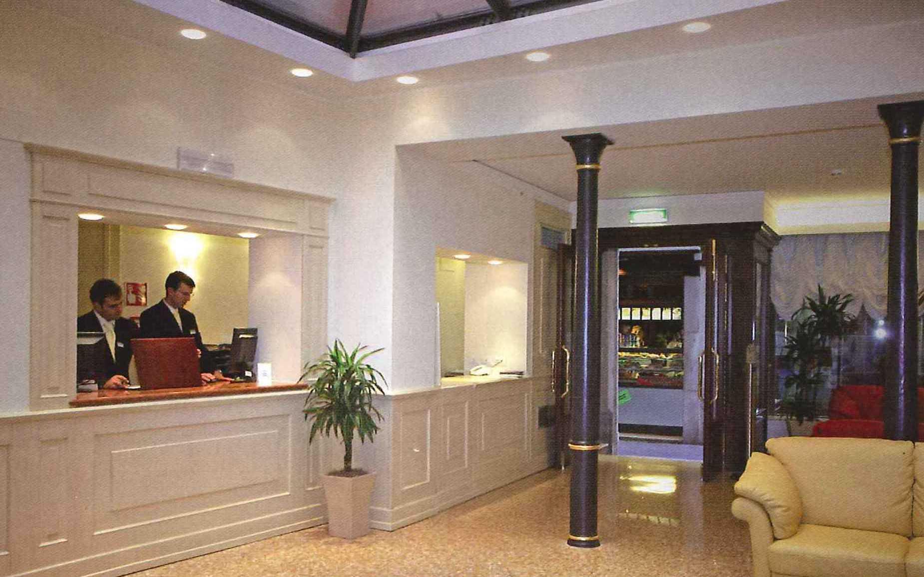 """Hotel """"Bella Venezia"""""""